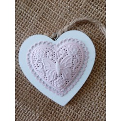 Dřevěné srdce 8x8 cm, vzor motýlek