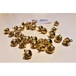 Rolnička zlatá, průměr 0,6 cm