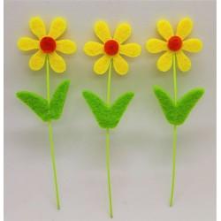 Zápich, kytička, žlutá, z filcu, výška 10 cm, průměr květu 3 cm