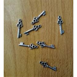 Kovový přívěsek klíček průměr 0,7 cm