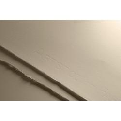 Papír na akvarel 300g/m² 100% bavlna 56x76 cm Fabriano Artistico Hot Pressed