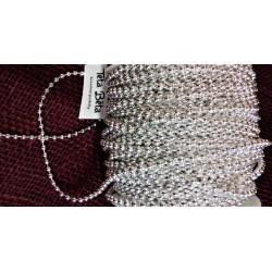 Stříbrné perličky na šňůrce, plastové, 3 mm