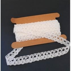 Krajka bavlna bílá šířka 1,5 cm v balení 4,5 m
